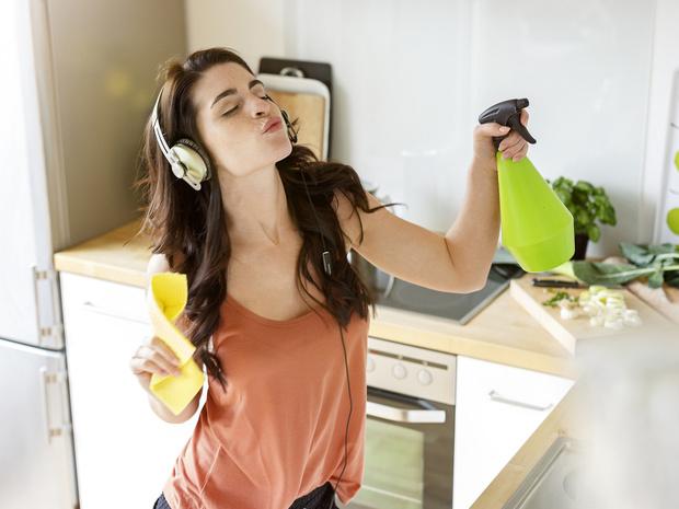 Фото №1 - Отключите электроприборы: и еще 10 способов охладить квартиру без кондиционера