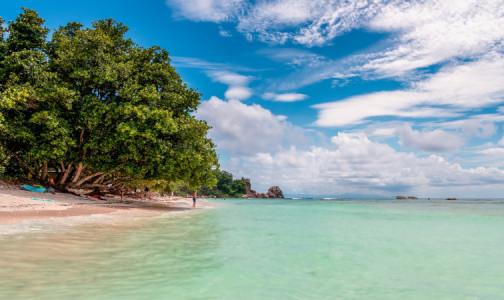 Фото №1 - При себе иметь отрицательный ПЦР-тест: Сейшелы открывают границы для российских туристов