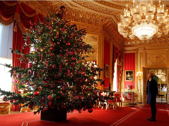 Фото №4 - Праздничное убранство резиденций королей и президентов в ожидании Рождества и Нового года
