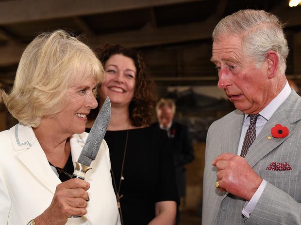 Фото №1 - Гарри отрекся от отца, а Чарльз и Камилла на грани развода: 5 новых (и очень странных слухов) о Виндзорах