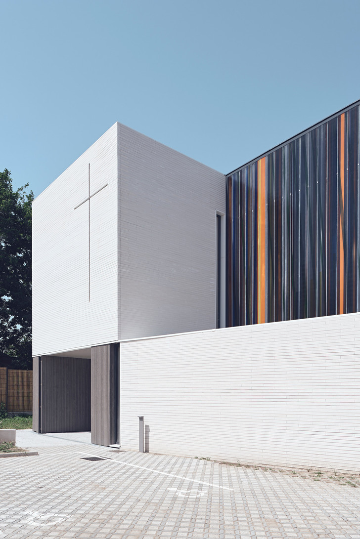 Фото №8 - Минималистская церковь во Франции: проект Enia Architectes