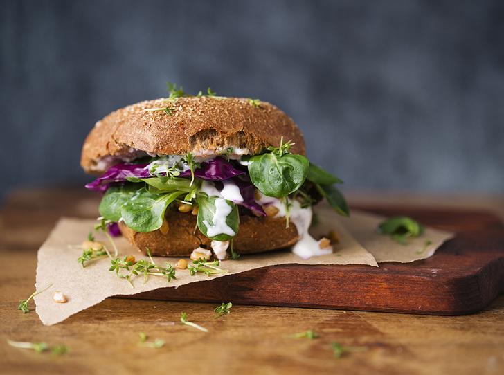 Фото №7 - Шесть «здоровых» продуктов, опасных для фигуры (и вы едите их каждый день)