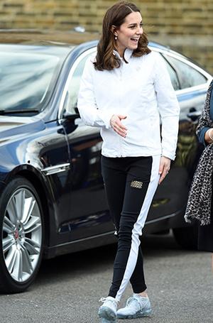 Фото №33 - Суровые уроки стиля, которые Кейт Миддлтон усвоила в браке с принцем Уильямом