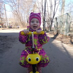 Голубихина Евгения, 2,5 года, Тверь. Вот пришла весна, на самокате ездить пора!