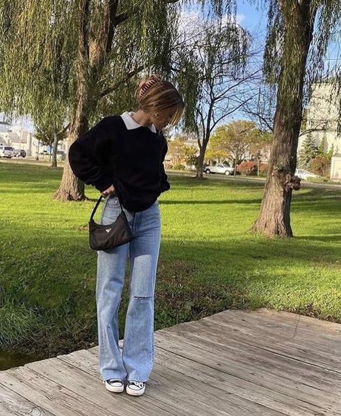 Фото №1 - Тренд 2021: выбираем модные голубые джинсы