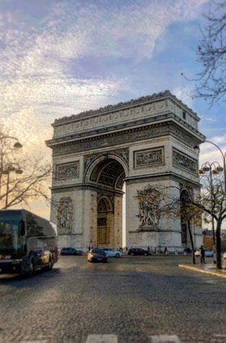 Фото №2 - Новый Год в Париже: Правый берег или Левый?