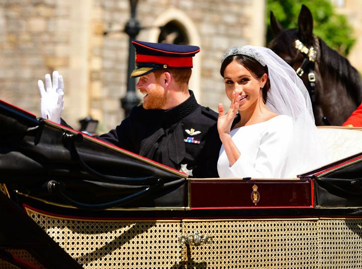 Фото №2 - После Короны: 9 главных моментов королевской жизни Меган и Гарри
