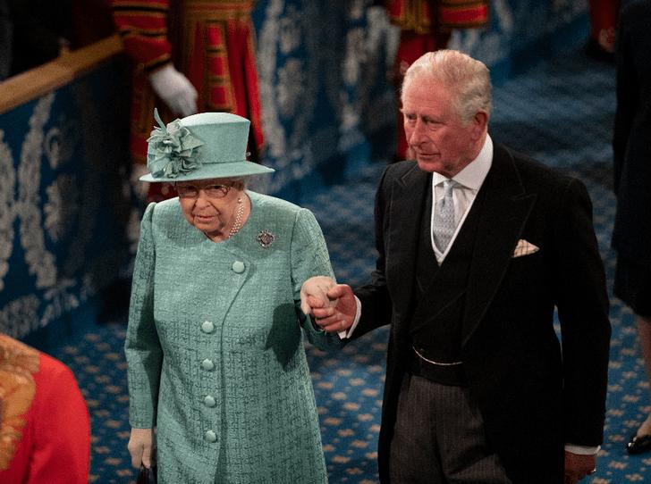 Фото №1 - Когда речь затянулась: с принцем Чарльзом случился конфуз