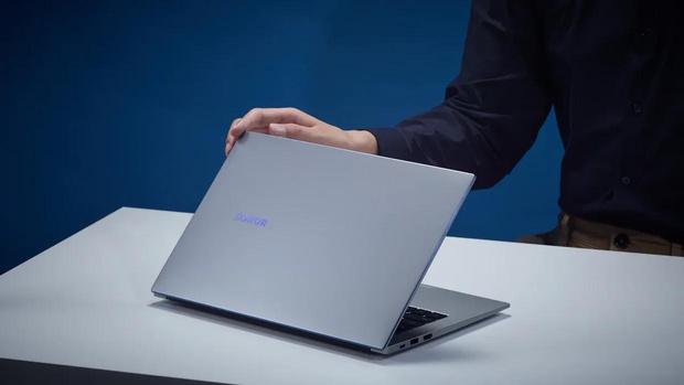Фото №5 - Новых карьерных вершин в 2021 году достигают не в офисе, а в ноутбуке. Как и с помощью чего это происходит?