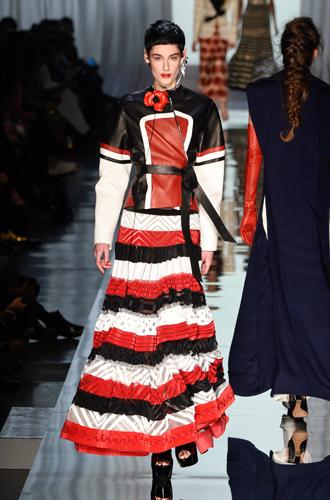 Фото №26 - 7 ключевых женских образов Недели haute couture SS17