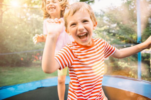 Фото №1 - Овну – батут, Рыбам – кукла: игрушки детям по знаку зодиака