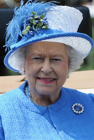 Фото №20 - Делайте ставки, господа: шляпки Королевы на Royal Ascot