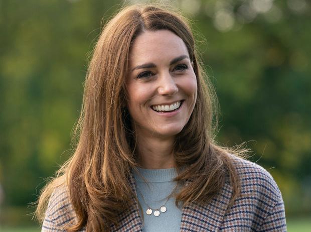 Фото №7 - Осенняя классика: где искать пальто в клетку, как у герцогини Кейт
