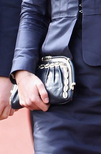 Фото №7 - Королевский дресс-код: любимые сумки герцогини Кембриджской