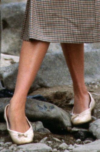 Фото №3 - Нелюбимая обувь принцессы Дианы