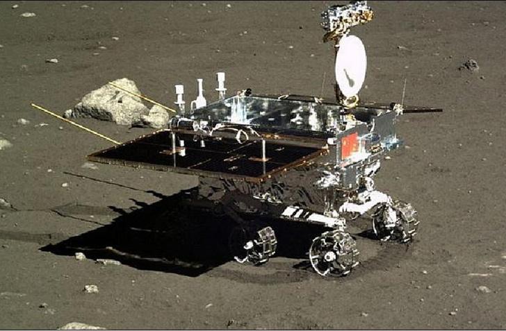 Китайский ровер на обратной стороне Луны