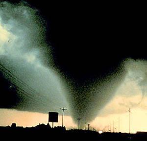 Фото №1 - Торнадо убил 14 человек на востоке Китая
