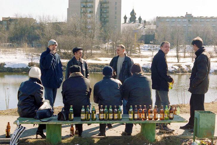 Фото №1 - 17 человек умерли от паленой водки в Орске. Вспоминаем еще три самых массовых отравления алкоголем в России