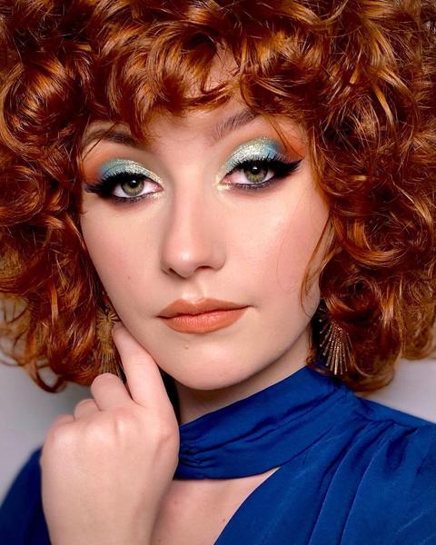 Фото №8 - Макияж для блондинок, брюнеток и рыжих: модные тренды лета 2021