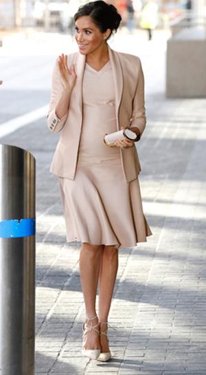 Фото №3 - Больше блеска: почему герцогиня Меган не носит колготки