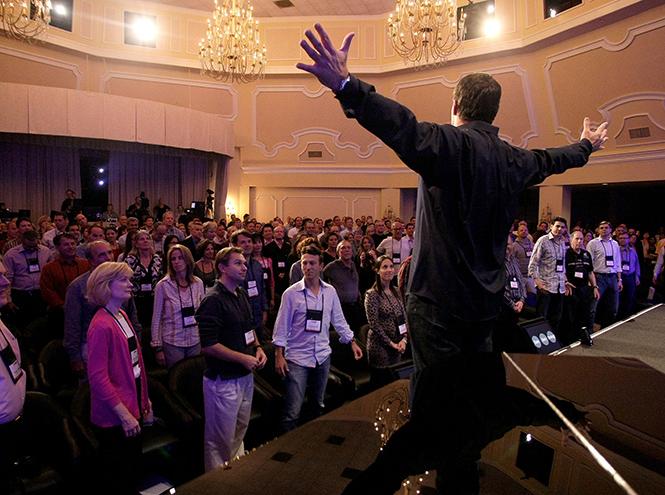 Фото №2 - Тони Роббинс: человек, который разбудит в вас исполина и заработает на этом миллионы