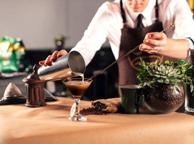 Фото №12 - 5 нескучных кофейных напитков для длинной рабочей недели