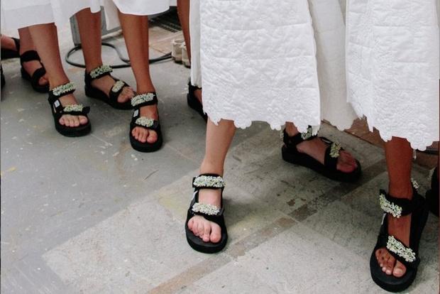 Фото №2 - Самые модные сандалии лета