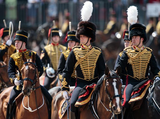 Фото №4 - Trooping the Colour: что нужно знать об официальном дне рождения британской королевы