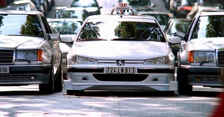 Фото №6 - Джентльмены на светофорах. Простые правила, которые отличают культурного водителя от всех остальных