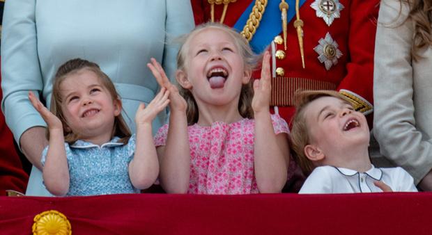 Фото №1 - Кто эта девочка, затмившая принца Джорджа и принцессу Шарлотту