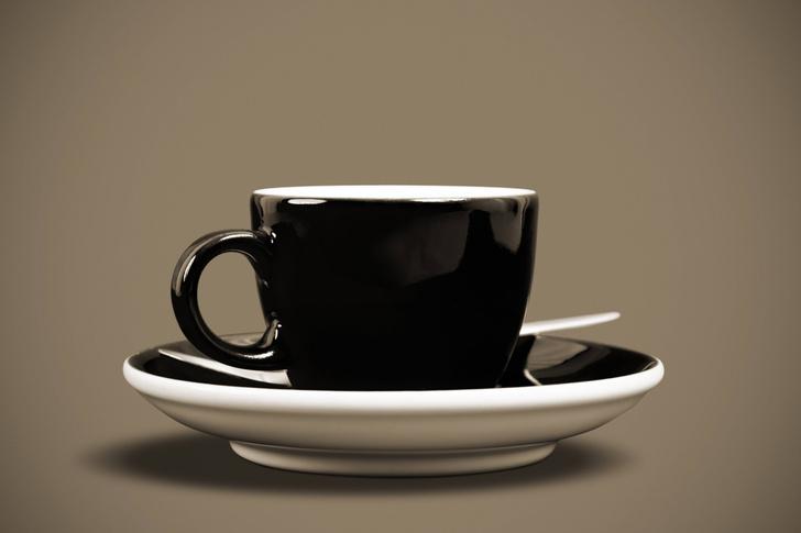 Фото №1 - Кофе и чай во время беременности пить опасно