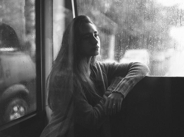 Фото №1 - И жизнь не мила: как понять, что вы в депрессии