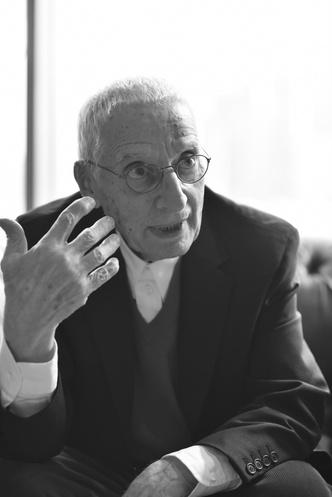 Фото №1 - LG SIGNATURE представляет штопор по дизайну Алессандро Мендини