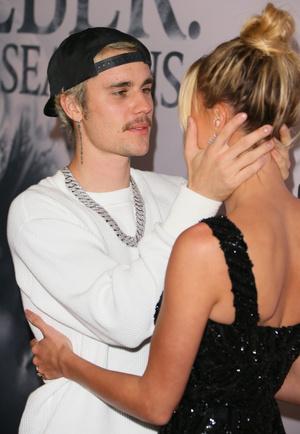 Фото №3 - Джастин Бибер не может держать себя в руках рядом с красавицей-женой