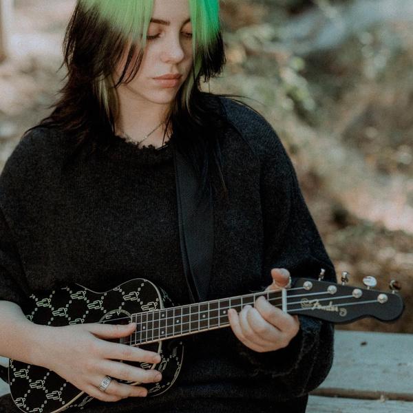 Фото №2 - Настоящая Билли Айлиш: документальный фильм певицы покажет ее истинные чувства 😳