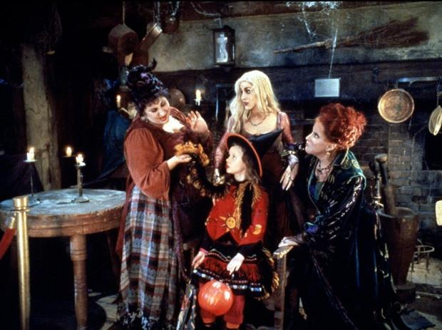 Фото №1 - С тыквой в обнимку: какие фильмы посмотреть накануне Хэллоуина
