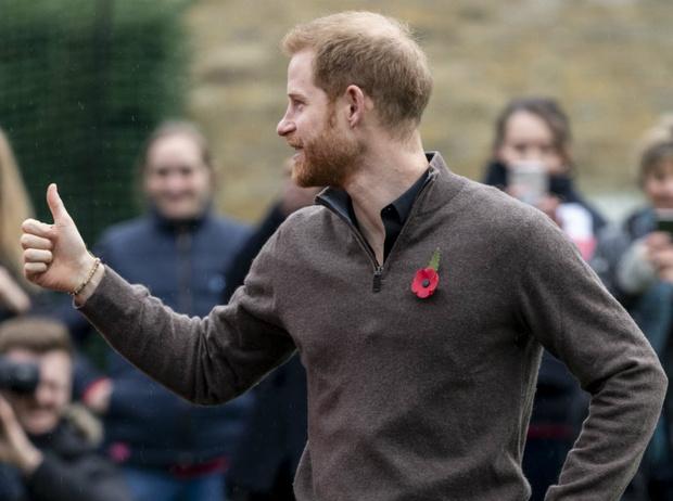 Фото №2 - Чужой среди своих: почему принц Гарри всегда хотел покинуть БКС