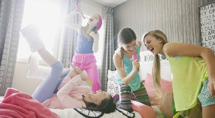 О чем важно помнить, когда ребенок идет в гости к друзьям