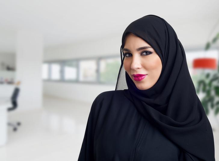 Фото №1 - Власти Дубая хотят ввести дресс-код для туристов