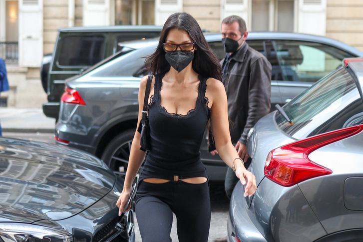 Фото №3 - Брюки с низкой талией снова в моде. Белла Хадид показывает компромисс для тех, кто не в восторге от этого тренда