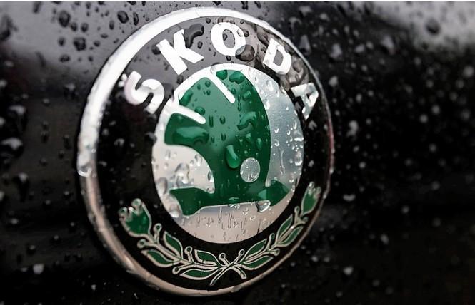 Фото №20 - Не простое украшение: 20 автомобильных эмблем со смыслом