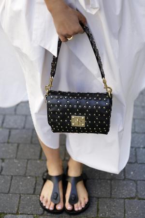 Фото №11 - Биркенштоки в городе: с чем носить самые удобные сандалии