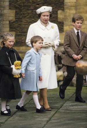 Фото №6 - Непристойное поведение: почему Елизавета была возмущена воспитанием Уильяма