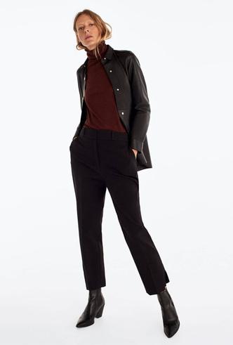 Фото №14 - Босс не будет против: как носить кожаные вещи в офис