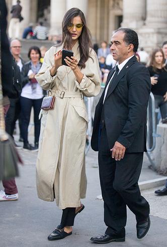 Фото №4 - 5 причин, почему тренч — самая модная верхняя одежда этой весны