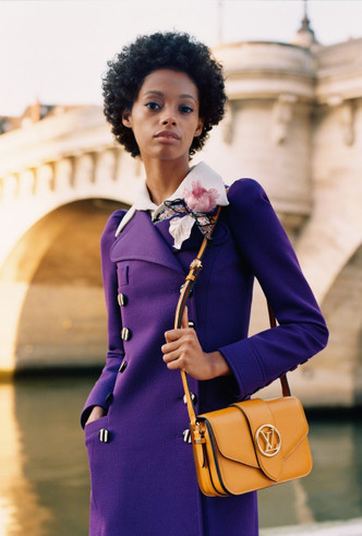 Фото №4 - Аксессуар парижанки: Louis Vuitton представили новую сумку LV Pont 9