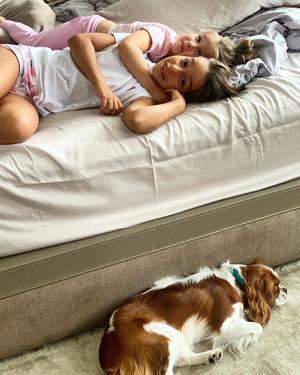 Фото №3 - Милота дня: звездные малыши и домашние питомцы