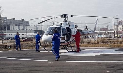 Фото №1 - В Александровскую больницу доставили первого пациента на вертолете