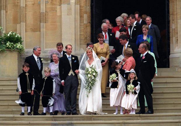 Фото №3 - Чем Софи вызвала гнев королевы-матери накануне свадьбы с принцем Эдвардом