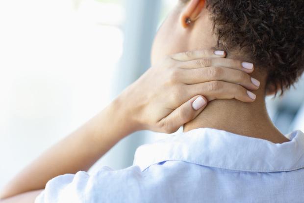 Фото №5 - Без таблеток: 10 лайфхаков, которые помогут быстро избавиться от боли 💊